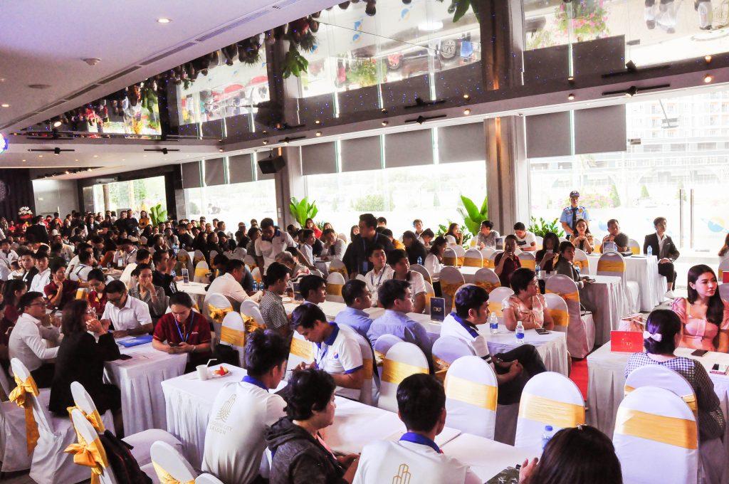 Sự kiện ra mắt nhà mẫu Sunshine City Sài Gòn thu hút nhiều nhà đầu tư